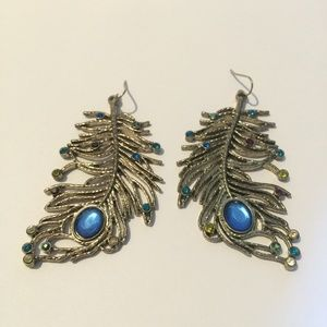 Gorgeous vintage Leaf & colorful stone earrings